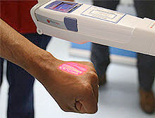 AccuVein AV400 vein illumination device